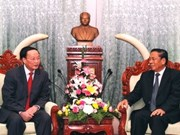 Lao leader hails growing relationship with Vietnam