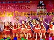 Mid-autumn festival opens in Hanoi's ancient quarter