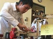 Top honours for Vietnamese teen's 'handy' robots
