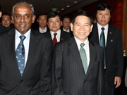 Vietnam seeks solid ties with Singapore