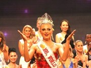 Russian wins Mrs World in Vung Tau