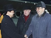 PM Dung arrives in Moscow