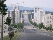 Two Koreas resume talks on industrial complex