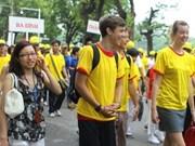 10,000 people walk for millennium celebrations