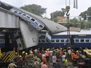 Sixty dead in India after train wreck