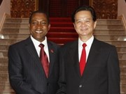 Vietnamese, Mozambican PMs hold talks