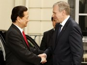 Vietnam seeks stronger wide-ranging ties with others