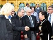 Vice State President welcomes Bulgarian teachers