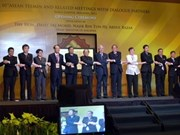 Vietnam attends ASEAN meetings on ICT