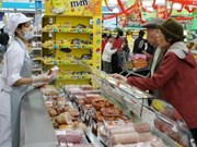 Supermarkets packed as Tet approaches