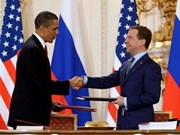 Medvedev ratifies new Russia-US nuclear treaty