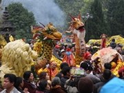 Huong pagoda festival opens