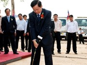 Vietnamese businessman donates 2 million USD to Laos