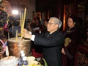 Party Chief pays tribute to Hung Kings