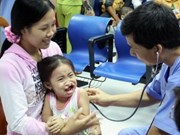 Free surgery for central children with oral deformities