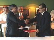 VNA, Prensa Latina sign accords