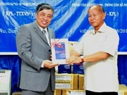 VNA presents KPL with book on bilateral ties