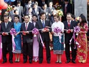 PM co-chairs VN-Laos investment conference
