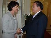 Switzerland vows all-round cooperation with Vietnam