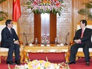 Vietnam, Singapore lift up ties