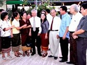 Laos students, Vietnam teachers meet in Vientiane