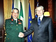 Vietnam boosts defence ties with Italy