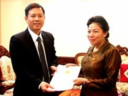 Vietnamese diplomat presents credentials in Laos