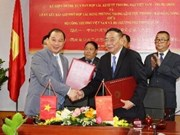 Vietnam, China ink deal on farm produce trading