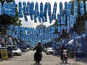 Malaysians go to polls in crucial general election