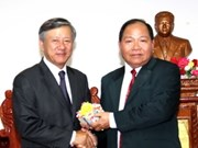 Vietnamese in northern Laos support Truong Sa