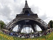 Competition invites locals to pay personal tributes to France