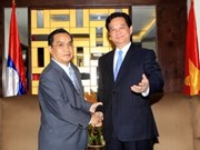 PM Dung meets with Lao counterpart