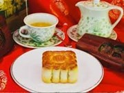 Moon cake producers revert to traditional flavours