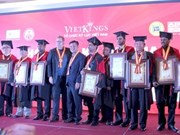 Record holders receive honourary doctorate degrees