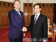 Prime Minister Dung greets Russian First Deputy PM