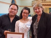Vietnamese student presented with awards in Australia