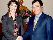 Deputy PM Minh welcomes US guest
