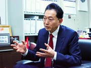 Former Japanese PM praises relations with Vietnam