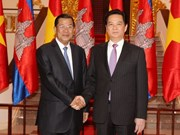 Vietnam, Cambodia work for deeper and firmer relations