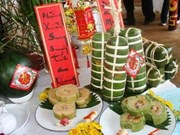 Ho Chi Minh City offers traditional cake to ancestors