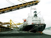 Quang Ninh ships first tonnes of coal of Lunar New Year
