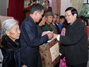 President visits Nghe An new-style rural locality
