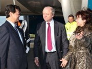 PM Dung sets foot in the Netherlands