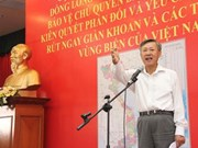 Vietnamese people in Laos oppose China's sovereignty violation