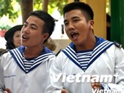 Vietnam, Philippine navies meet on Song Tu Tay Island