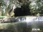 Trekkers start exploring charms of Tu Lan cave in Quang Binh