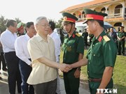 Party General Secretary visits outpost Phu Quy island district