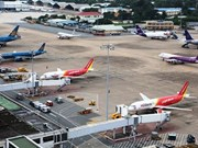 Airlines benefit from service fee cuts at Vietnam's int'l airports