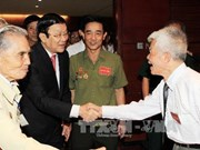 President meets former revolutionary prisoners