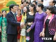 President meets exemplary Vietnamese entrepreneurs